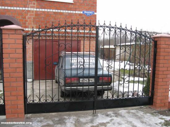 Сварной забор из профильной трубы.