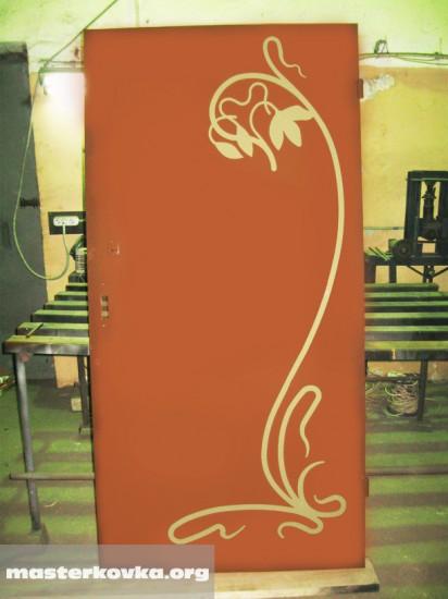 Металлическая дверь с элементами декора. Любой рисунок по эскизу заказчика. Плазменная резка. 11000 рублей.
