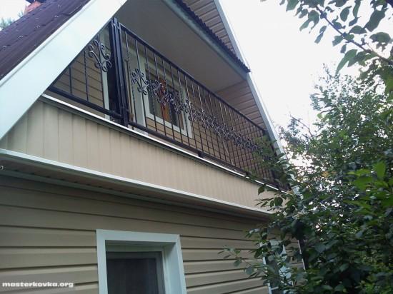 Кованное ограждение балкона