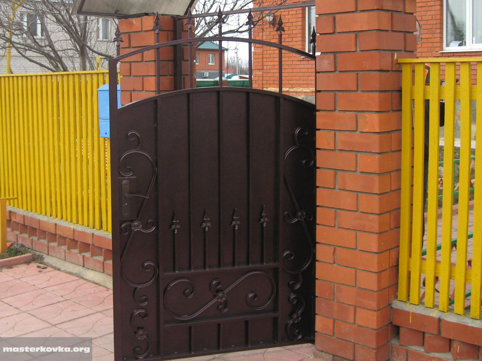 въездные ворота с порошковым напылением